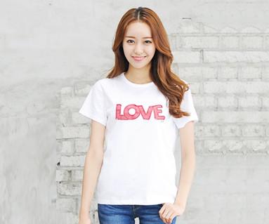 レッドたパッチ円形の女性ショートTシャツ_14B32