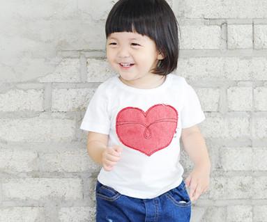 レッドたパッチ円形の赤ちゃんショートTシャツ_14B32