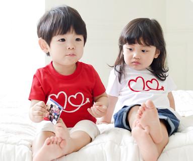 フライング円形の赤ちゃんショートTシャツ_15B20