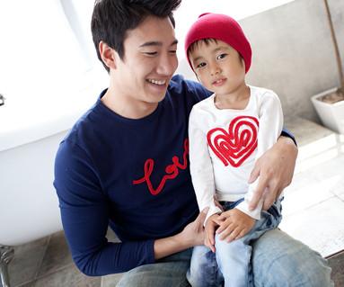 チェーン刺繍円形パパと赤ちゃん長袖_11C01