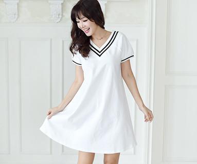 サマースクール家族の女性ショートTシャツ_16B11