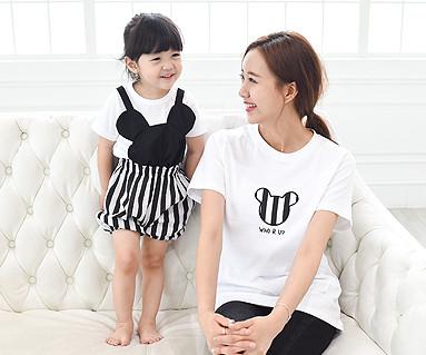 ミニ家族の母親と赤ちゃんショートTシャツ_15B28
