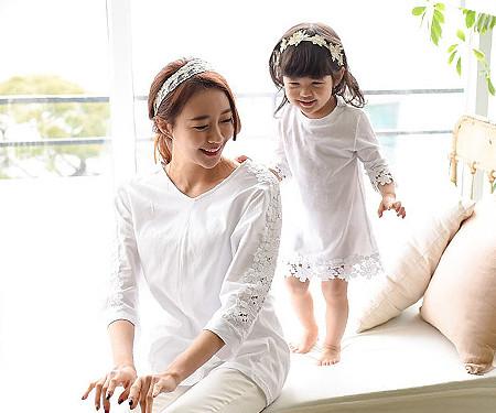"""モーニング家族の母親と赤ちゃん長袖_15A11 <font color=""""#FF6666""""><strong>[注文可能]</strong>"""