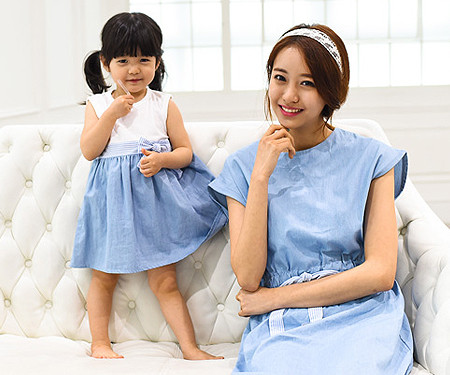 ウィンディ家族の母親と赤ちゃんショートTシャツ_15A06