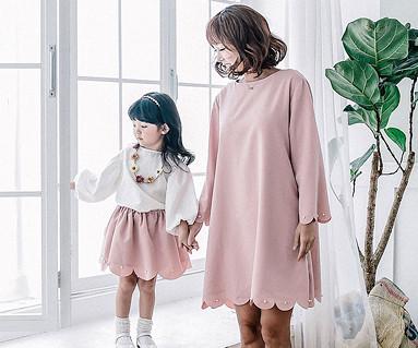 ロマンチックファミリーのお母さんと赤ちゃんの長袖_16C17