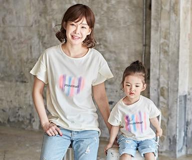 """<font color=""""ffffff"""">[家族ショートTシャツティー&ファミリールック] <br></font>塗料ママと赤ちゃんショートTシャツ_18B06 <font color=""""#FF6666""""><strong>[注文可能]</strong>"""